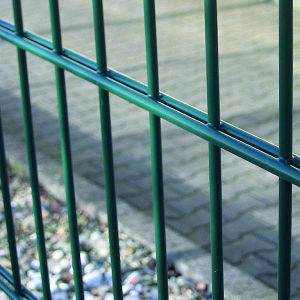 China Manufacturer PVC Coated Double Wire Fence pictures & photos