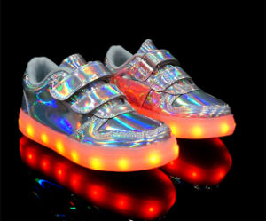 Fashion Design Women Caual Shoe with LED Outsole