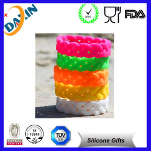 Manufactory Directly Cheapest Silicone Wristband, Lowest Price Silicone Bracelet pictures & photos