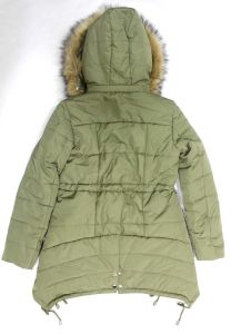 Women′s Winter Padding Coat with Detachable Fur Hood pictures & photos
