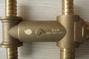 Aluminum Laser Marking Machine/Brass Laser Marking Machine pictures & photos