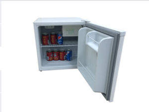 Solar Compressor Refrigerator 50 Liter DC12/24V with AC Adaptor (100-240V) pictures & photos