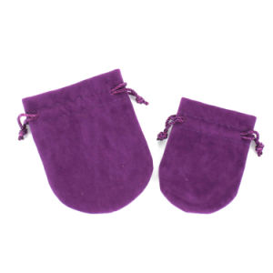 Small Purple Packaging Velvet Drawstring Pouches (CVB-1101) pictures & photos