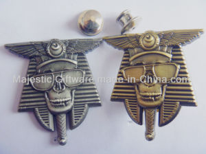 Antique Metal Plating Skull Pin & Wings Badge pictures & photos