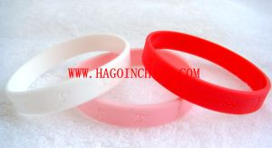 Customized Colorful Silicone Rubber Wristband pictures & photos