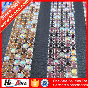 Cooperate with Brand Companies Cheaper Crystal Trimming pictures & photos