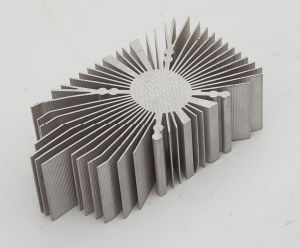 Aluminium/Aluminium Alloy Extruded Industry Heat Sinks pictures & photos