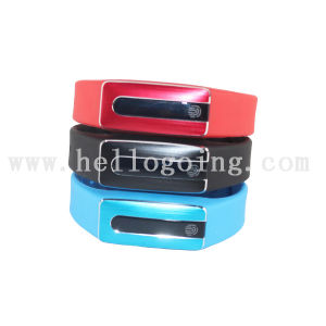 Newest Fashion Smart Bluetooth Bracelet with Smart Bracelet Heart Rate pictures & photos