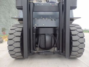 5. Ot Diesel Forklift Truck with Best Quality pictures & photos