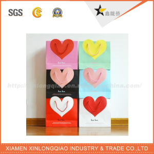 High Quality Heart Design Cloth Shopping Paper Bags pictures & photos