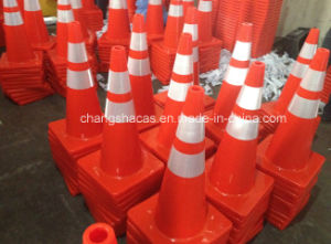 Good Price Australia PVC Traffic Road Safety Cone pictures & photos