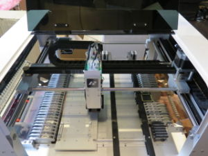 SMT Pick and Place Machine with Visual System pictures & photos