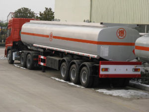 Lufeng 3 Axles Fuel Oil Semi Trailer for Sale pictures & photos