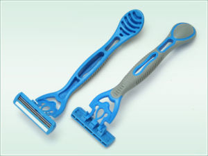Triple Blade Disposable Razor (KD-3028L) pictures & photos