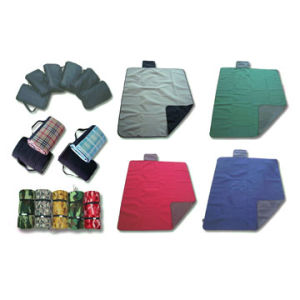 100%Polyester Waterproof Picnic Blanket pictures & photos