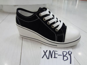 2016 New Arrival Women′s Fashion Canvas Shoes (XNE-B9) pictures & photos
