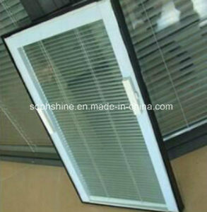 Window Blinds Magnetically Operated in Double Hollow Glass by Handle pictures & photos