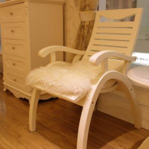 Square Stuffed Long Wool Sheepskin Chair Cushion in White pictures & photos