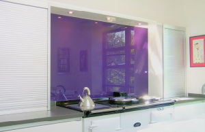 Kitchen Fitted with Opticolour Glass Splashback pictures & photos