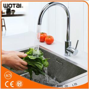 Zinc Single Handle Pull Down Sink Kitchen Faucet pictures & photos