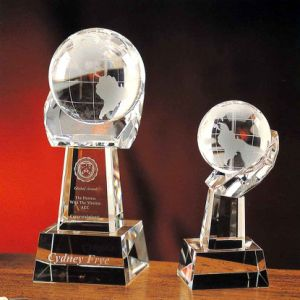 Crystal Ball Trophy Crystal Ball with Hand Stand (JD-CB-902) pictures & photos