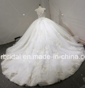 V-Neck Quinceanera Ball Gowns Beaded Real Photos Crystal Lace Puffy Wedding Dresses Z3013 pictures & photos