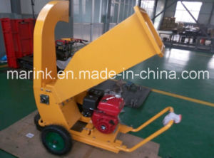 Wood Chipper / Mini Chipper with Wheels pictures & photos
