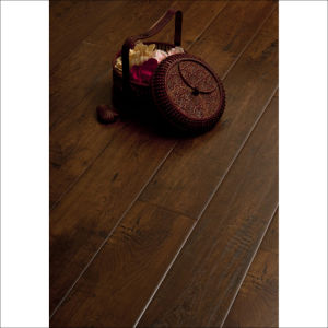 Waxed Eir Deep Embossed Surface Laminate Wood Flooring pictures & photos