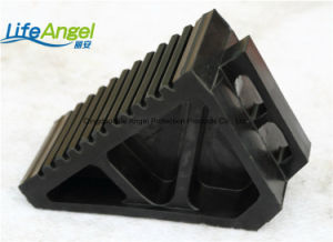 Car Parking Rubber Wheel Chock Block with Best Price pictures & photos