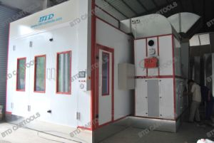 High Configuration Spray Paint Booth Auto Painting Room pictures & photos