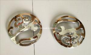 Plastic Injection Moulding Flower Shape Customized Emblem pictures & photos