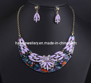 Flower Resin Stone Necklace Set (XJW13216) pictures & photos