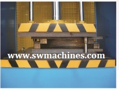 Hyraulic Press Machine with CE Approved pictures & photos