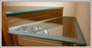 8mm/10mm/12mm Clear/ Frosted Toughened Glass for Swimming Pool Fence/Handrails/Stairs /Curtain Wall pictures & photos