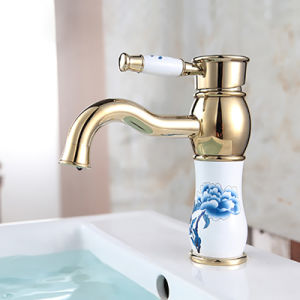 Classic Single Handle Ceramic Valve Golden Plated Bathroom Faucet pictures & photos