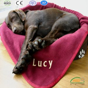 Wholesale Polar Fleece Pet Blankets, Factory Direct Pet Dog Cat Blankets pictures & photos