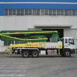 Z-Fold Boom Truck Mounted Boom Pump pictures & photos
