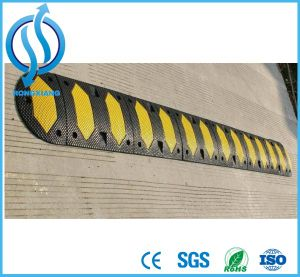 European High Quality Rubber Speed Hump pictures & photos