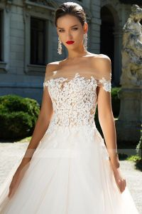 off Shoulder Bridal Ball Gowns Lace Tulle Puffy Wedding Dress Lb1853 pictures & photos