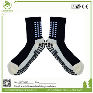 Free Sample Wholesale China Manufacturer Indoor Trampoline Custom Trampoline Socks pictures & photos