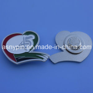 Custom Heart Shape with 45 Logo Magnetic UAE Lapel Pin pictures & photos
