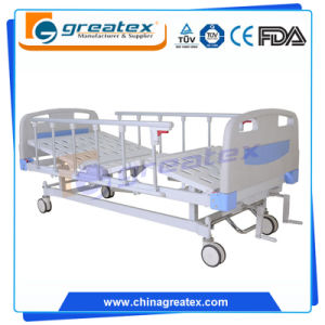 2 Crank Manual Patient Beds Hospital Equipment pictures & photos