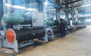 High Efficient Flooded Low Temperature Screw Style Chiller pictures & photos