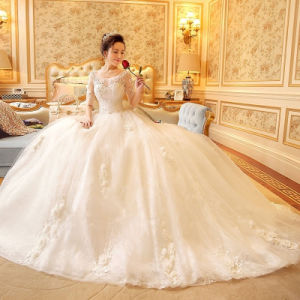 Scoop Neck Half-Sleeve Appliques Lace Ball Gown Wedding Dress (Dream-100050) pictures & photos