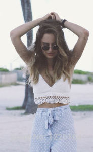 Hand Crochet Tops Bra Halter Bralette Swimwear Beachwear pictures & photos