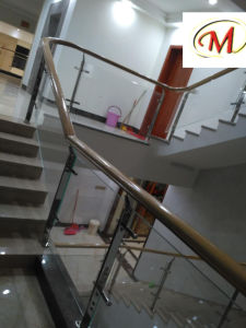 Modern Style High-End Design Hotel Villa Stainless Steel Staircase Column pictures & photos