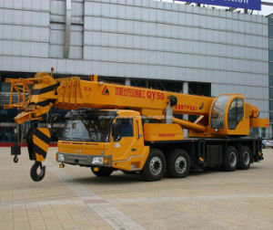 50tons Truck Mounted Crane with Full Hydraulic Control pictures & photos