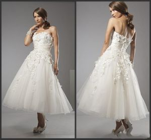 Strapless A-Line Wedding Dresses Lace Calf Length Short Wedding Gown H147234 pictures & photos
