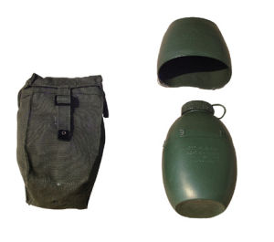 UK Style PE Water Canteen/ Military Safety Water Bottle pictures & photos