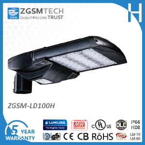 100W IP66 LED Street Lamp with Daylight Sensor pictures & photos